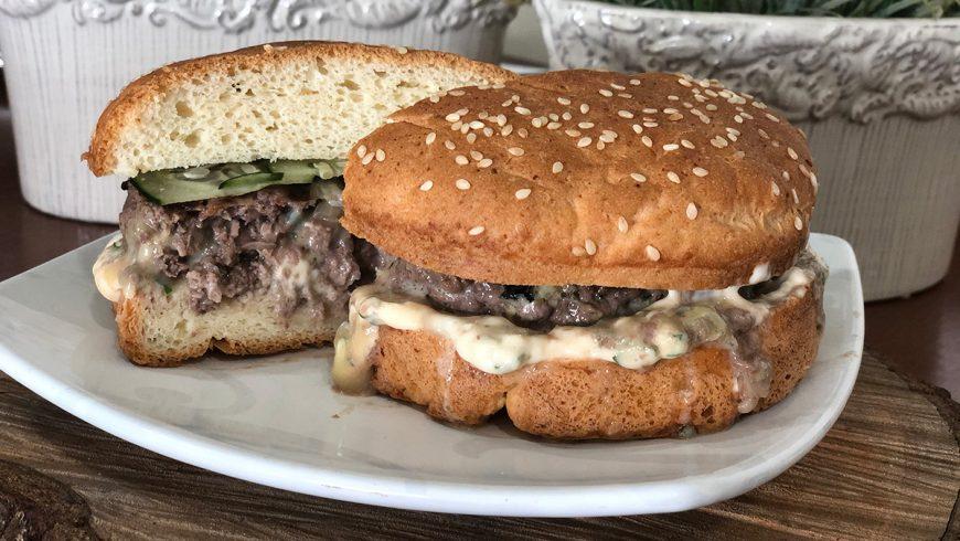 Hambúrguer de fraldinha com Gorgonzola